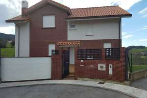 Chalet for sale in Puente Viesgo, Cantabria.