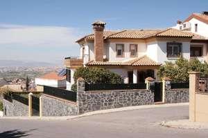 木屋 出售 进入 Barrio de Monachil, Granada.