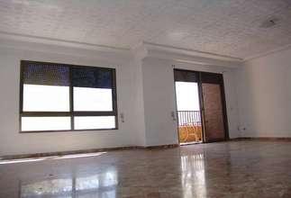 Piso en Zona comercial Avda. principal, Catarroja, Valencia.