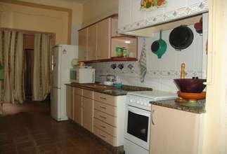 House for sale in Zona comercial Avda. principal, Catarroja, Valencia.