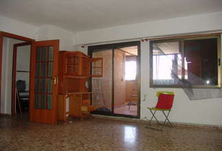 Ático venta en Zona comercial Avda. principal, Catarroja, Valencia.