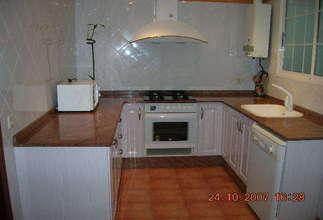 Flat for sale in Zona comercial Avda. principal, Catarroja, Valencia.