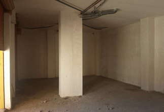 Commercial premise in Zona comercial Avda. principal, Catarroja, Valencia.