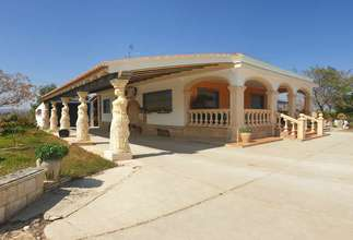 Chalet for sale in L 'alter, Picassent, Valencia.