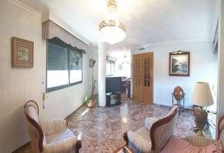 Casa venta en Zona comercial Avda. principal, Catarroja, Valencia.