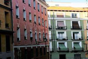 Flat for sale in Lavapies, Madrid.