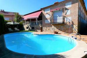 Chalet for sale in Casarrubios del Monte, Toledo.