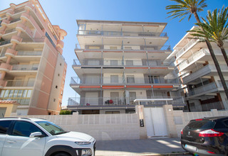 Apartment for sale in Playa de Gandia, Valencia.