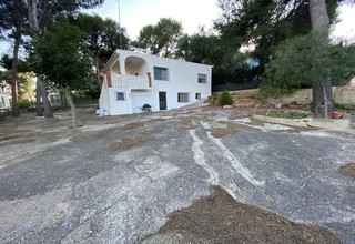 Chalet for sale in Albalat dels Tarongers, Valencia.