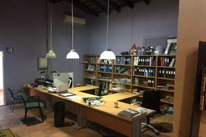 Warehouse in Antigua Carretera Barcelona, Puçol, Valencia.
