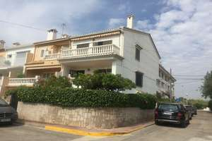 Bungalow for sale in Playa del Puig, Valencia.