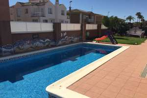 Chalet for sale in Nucleo Urbano, Rafelbunyol, Valencia.