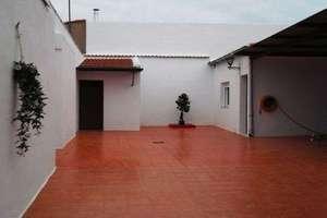 Casa venta en Parque Del Este, Valdepeñas, Ciudad Real.