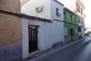 House for sale in Seis de Junio, Valdepeñas, Ciudad Real.