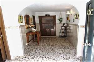 Casa venta en Salida Del Peral, Valdepeñas, Ciudad Real.