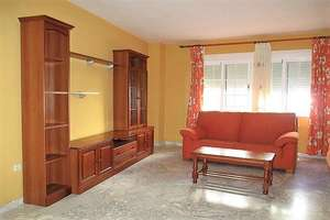 Apartment for sale in Centro, Valdepeñas, Ciudad Real.