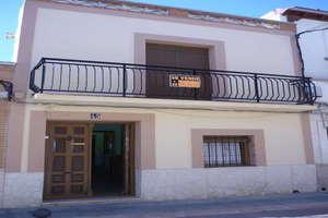 Casa venta en Convento, Valdepeñas, Ciudad Real.