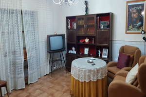 House for sale in Valdepeñas, Ciudad Real.