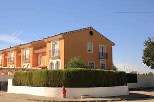 Cluster house for sale in Nuevo Valdepeñas, Ciudad Real.