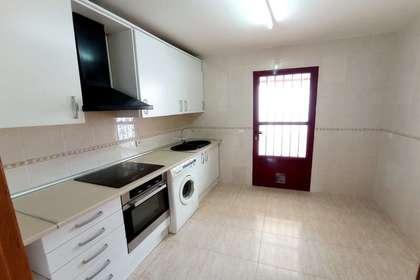 Cluster house in Avenida 1º de Julio, Valdepeñas, Ciudad Real.