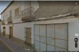 城市积 出售 进入 Calle Constitución, Valdepeñas, Ciudad Real.