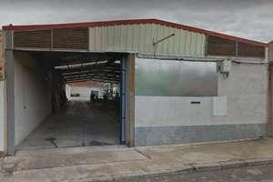 Warehouse for sale in Avenida 1º de Julio, Valdepeñas, Ciudad Real.