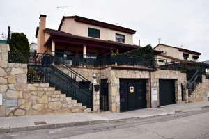 Semidetached house for sale in Valdeiglesias Pueblo, San Martín de Valdeiglesias, Madrid.