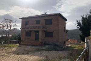 Chalet for sale in Urb.la Suiza, Robledo de Chavela, Madrid.