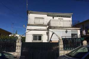 Chalet for sale in Cadalso de los Vidrios, Madrid.