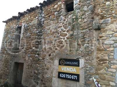 House for sale in Banyoles, Girona.