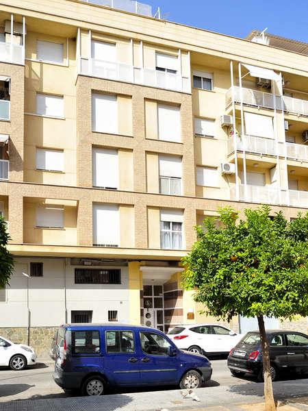 fotografía de vivienda en Calle Assumpta González Cubertorer