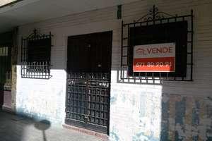 Commercial premise for sale in Gran Capitán, Granada.