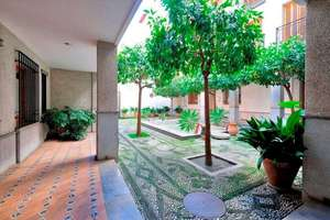 Flat for sale in Realejo, Granada.
