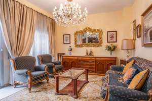 Flat for sale in Centro-figares-san Anton, Granada.