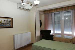 Flat for sale in Recogidas, Granada.