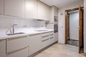 Flat for sale in Ronda-arabial, Granada.