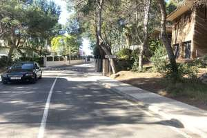 Plot for sale in Urb. El Bosque, Chiva, Valencia.