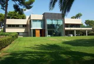 Villa for sale in Centro, Paterna, Valencia.