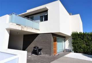 Cluster house for sale in Urb. El Bosque, Chiva, Valencia.