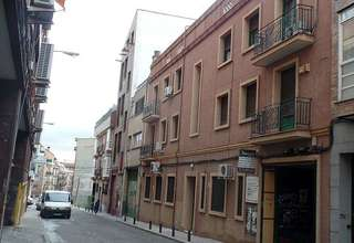 Building for sale in Valencia.