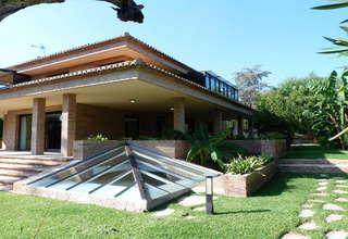 Villa Luxury for sale in Los Monasterios, Puçol, Valencia.