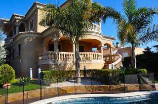 Villa for sale in El Vedat, Torrent, Valencia.