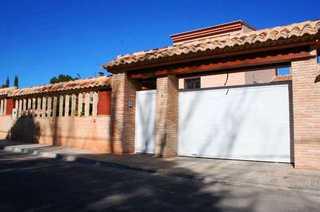Villa for sale in Torrent, Valencia.