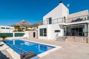 Villa Luxus zu verkaufen in Urb.nova Polop, Alicante.