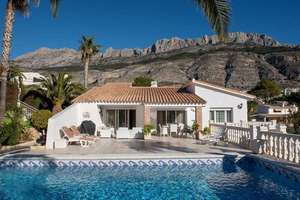 Chalet for sale in Altea la Vella, Alicante.