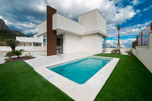 Chalet for sale in Polop, Alicante.