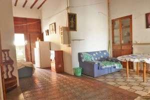 Dům na vesnici na prodej v Callosa d´En Sarrià, Alicante.
