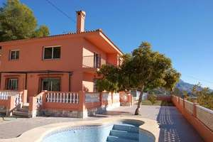 Chalet for sale in Xirles, Polop, Alicante.