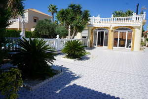 Chalet for sale in Orihuela-Costa, Alicante.