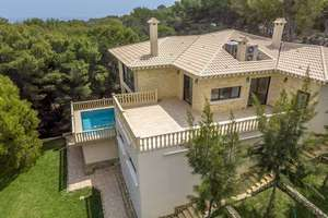 Villa for sale in Dehesa de Campoamor, Alicante.